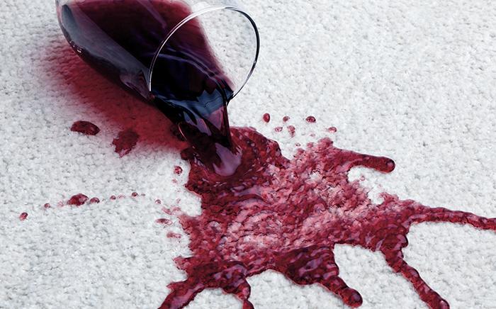 como quitar manchas de vino
