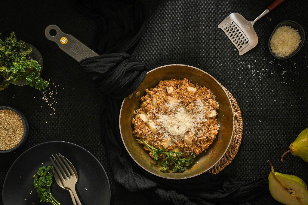 quinotto z komosy ryżowej z gruszką